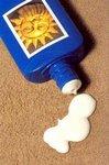 Солнцезащитный крем с низким фактором не может защитить от ожогов и рака