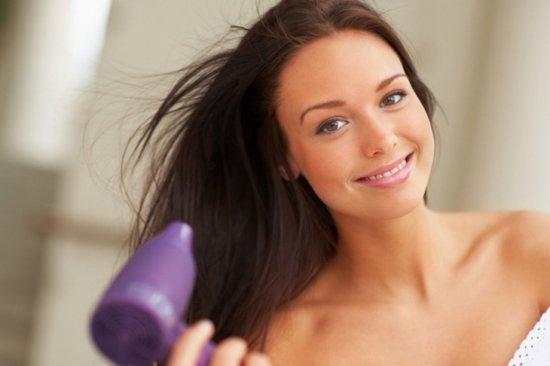 Правда или вымысел? Самые распространенные мифы о причинах выпадения волос