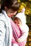 Положение ребенка в слинге влияет на развитие
