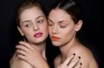 Модный стиль 2012: контрастные губы и ногти