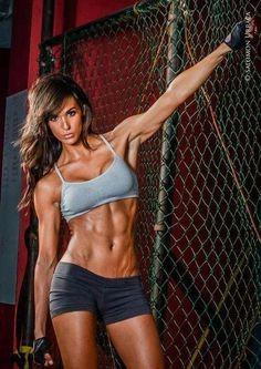 Зачем девушкам спортивное питание?