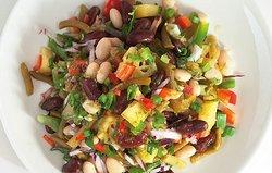 Салат с масляной фасолью