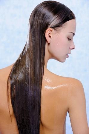 Как увлажнить волосы: уход, питание, маски