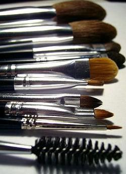 Виды инструментов для макияжа