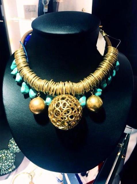 Изысканная бижутерия под золото – выбор многих современных женщин