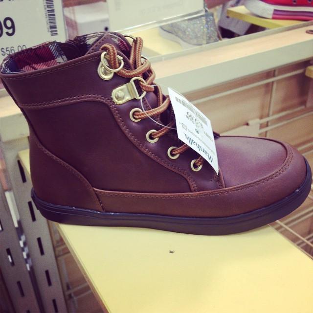 На что стоит обратить внимание при выборе обуви для мальчика