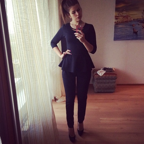 Костюм – идея офисной женской одежды для лета