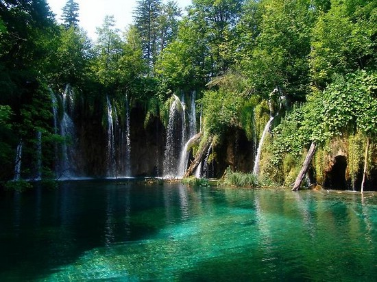 Плитвицкие озера – необычный национальный парк в Хорватии
