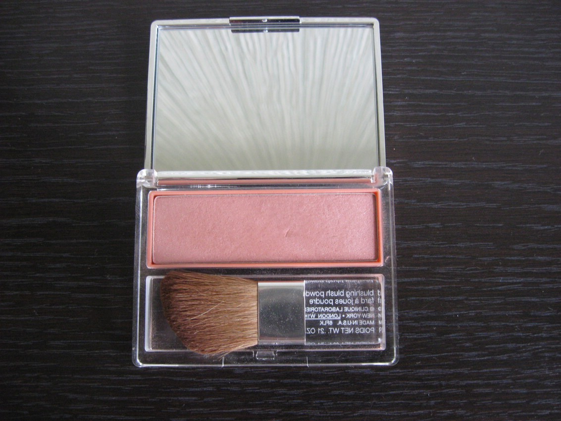 Румяна CLINIQUE Blushing Blush