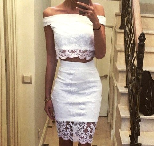 Белое платье на свадьбе у гостьи