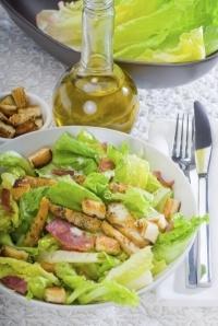простой рецепт салата цезарь видео