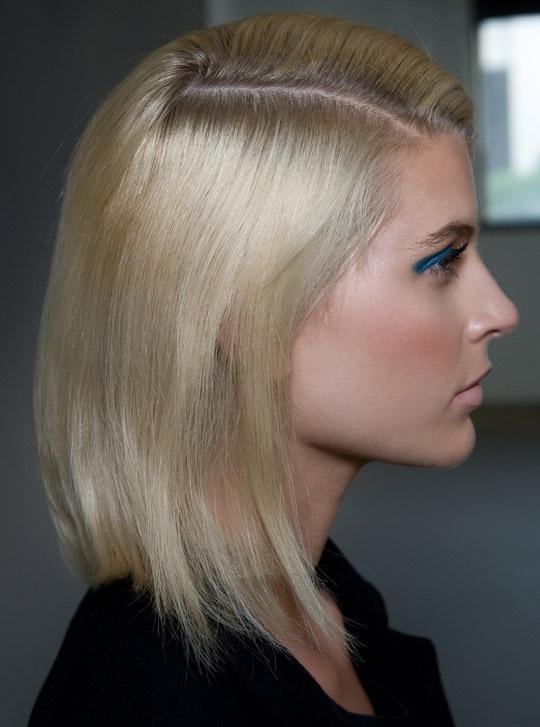 Причёски для коротких и редких волос своими руками