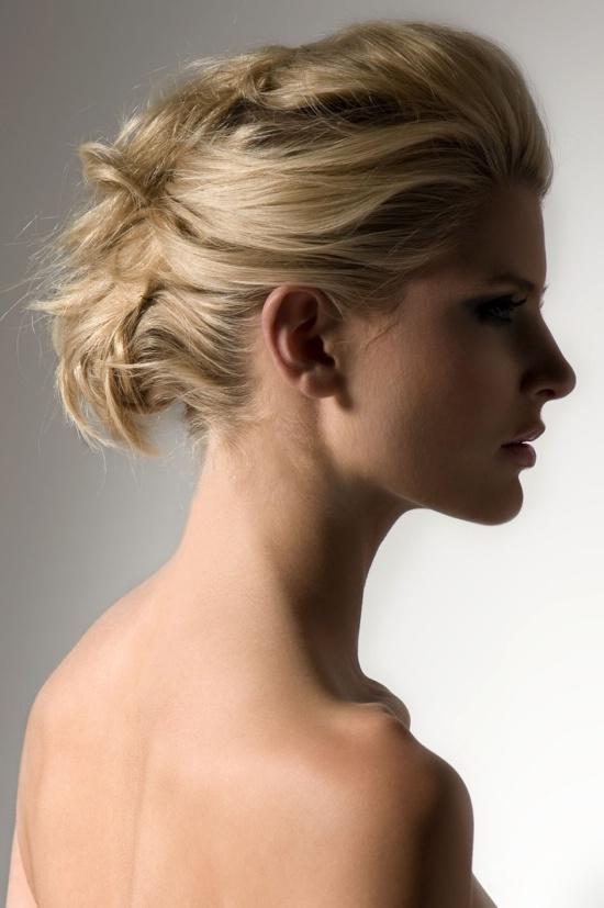 Шпильки для волос + ваша фантазия = высокая укладка за считанные минуты