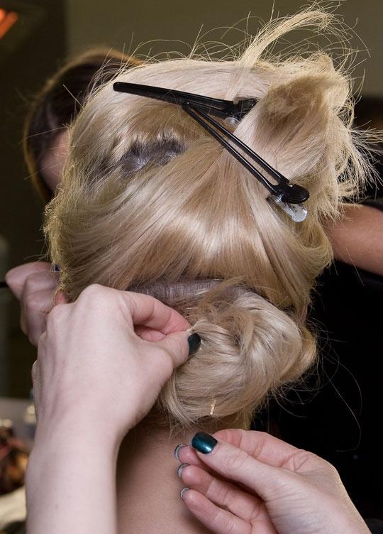 Сухие ломкие волосы не поддаются укладке
