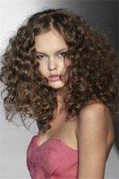 Советы по укладке вьющихся волос