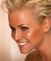 Как с помощью макияжа придать коже загорелый оттенок