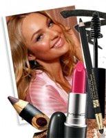 Секреты и советы: как сделать базовый макияж?